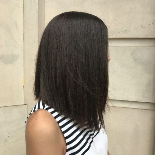 The Mid-Lenght angled blunt hair style for female pattern baldness
